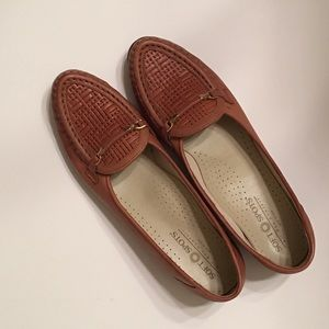 Low Heel Leather Slip On All Day Comfort